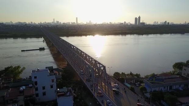 2 cây cầu nổi tiếng của Hà Nội bất ngờ hoá cameo phim kinh dị Hotel del Luna của IU? - Ảnh 2.