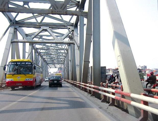 2 cây cầu nổi tiếng của Hà Nội bất ngờ hoá cameo phim kinh dị Hotel del Luna của IU? - Ảnh 5.