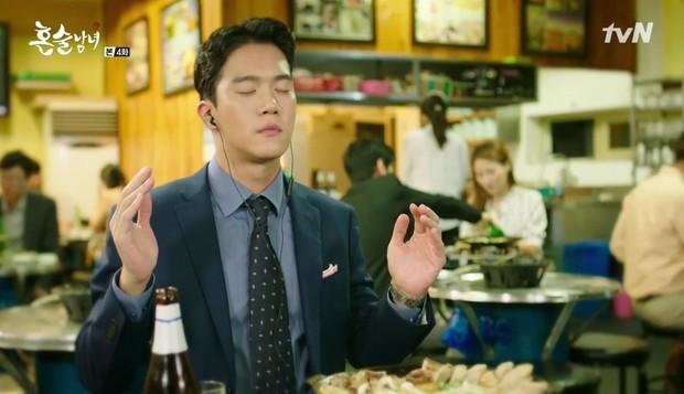 8 phim Hàn cấm xem lúc đói: Số 7 toàn mì gói mà vẫn rớt nước miếng - Ảnh 5.