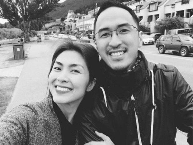 Louis Nguyễn tình tứ khoác vai Hà Tăng trên đảo thiên thần Santorini, 10 năm bên nhau vẫn hạnh phúc như ngày đầu - Ảnh 4.