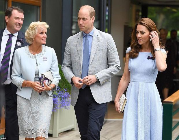 Công nương Kate khéo chứng minh hạnh phúc với chồng bằng việc diện đồ đôi cực tình cảm - Ảnh 3.