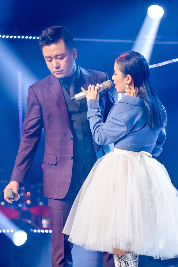 Giọng hát Việt: Học trò Thanh Hà mang cả trăn lên sân khấu đêm Bán kết - Ảnh 23.