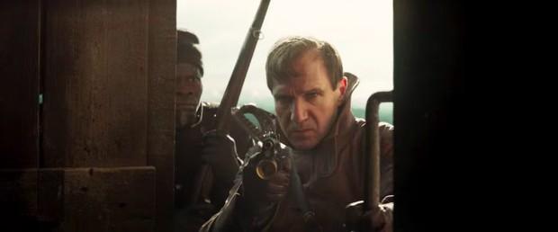Trailer tiền truyện Kingsman: Sang chảnh nhưng khiến fan hụt hẫng vì thiếu sự hài hước, máu me quen thuộc - Ảnh 2.