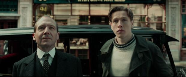 Trailer tiền truyện Kingsman: Sang chảnh nhưng khiến fan hụt hẫng vì thiếu sự hài hước, máu me quen thuộc - Ảnh 1.