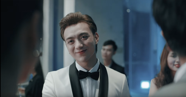 Soobin Hoàng Sơn tái xuất Vpop, tự sát ở phút cuối trong MV gắn mác 16+ cùng thông điệp mạnh mẽ về bệnh trầm cảm - Ảnh 3.