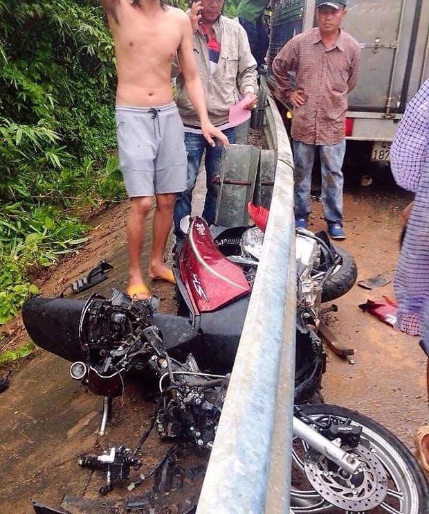 Xe tải lấn đường tông nát xe máy SH, 1 người chết, 1 người nguy kịch - Ảnh 2.