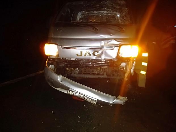 Xe tải lấn đường tông nát xe máy SH, 1 người chết, 1 người nguy kịch - Ảnh 3.
