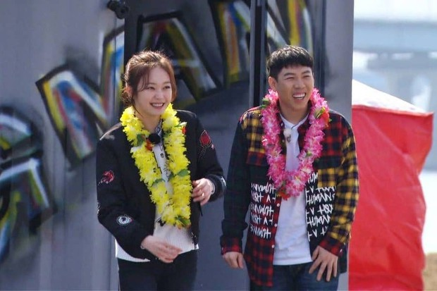 Nhà sản xuất Running Man chia sẻ: Jeon So Min có một nét quyến rũ vụng về không thể tin được - Ảnh 3.