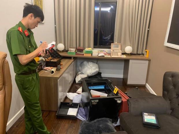 Cận cảnh khám nghiệm hiện trường vụ trộm hơn 5 tỷ đồng trong căn biệt thự của ca sĩ Nhật Kim Anh - Ảnh 4.