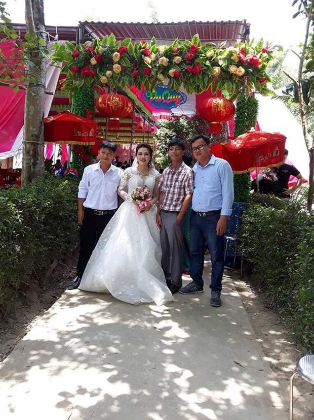 Bố mẹ của cô dâu trong đám cưới không chú rể ở Quảng Trị: Ai đến chung vui cũng lén lau nước mắt, thương con 1 thì thương rể đến 10 - Ảnh 4.