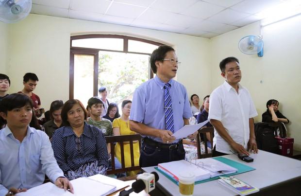 """Bị đơn trong vụ truyện tranh Thần đồng đất Việt: """"Vẽ thì tôi không vẽ được nên thuê ông Linh, nhưng cùng ký cùng tác giả"""" - Ảnh 2."""