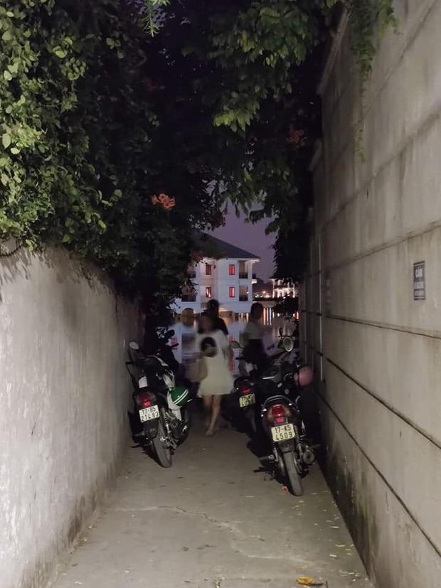 Hẻm hồ Tây ở Hà Nội sau vài ngày gây sốt: Khi ai cũng muốn chill cùng một chỗ, thì đây là kết quả! - Ảnh 9.