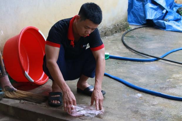 Vụ cả nhà nhập viện khi phát hiện lọ thuốc diệt cỏ trong bể nước: Đây là lần thứ 2 các cháu bé của gia đình bị ngộ độc - Ảnh 3.