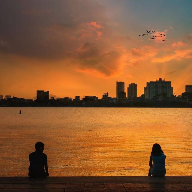 Hẻm hồ Tây ở Hà Nội sau vài ngày gây sốt: Khi ai cũng muốn chill cùng một chỗ, thì đây là kết quả! - Ảnh 1.