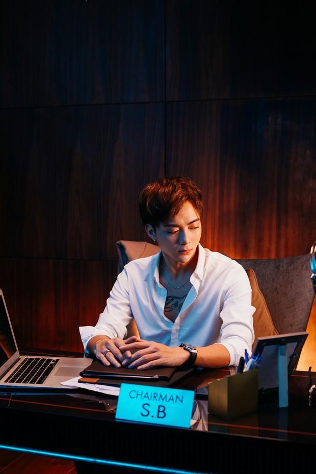 Soobin Hoàng Sơn tái xuất Vpop, tự sát ở phút cuối trong MV gắn mác 16+ cùng thông điệp mạnh mẽ về bệnh trầm cảm - Ảnh 7.