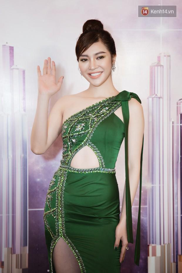 HHen Niê diện style khác lạ, Mâu Thủy hở bạo khoe ngực đầy trong sự kiện khởi động Miss Universe Việt Nam 2019 - Ảnh 10.