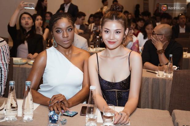 HHen Niê diện style khác lạ, Mâu Thủy hở bạo khoe ngực đầy trong sự kiện khởi động Miss Universe Việt Nam 2019 - Ảnh 17.