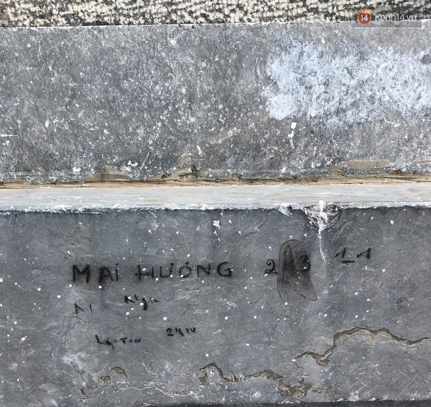 """Chi chít vết khắc tên và """"lời yêu thương"""" trên khu vực đỉnh Fansipan (Sapa), tại sao ngày nay đi du lịch cứ phải để lại """"dấu vết"""" làm gì? - Ảnh 7."""
