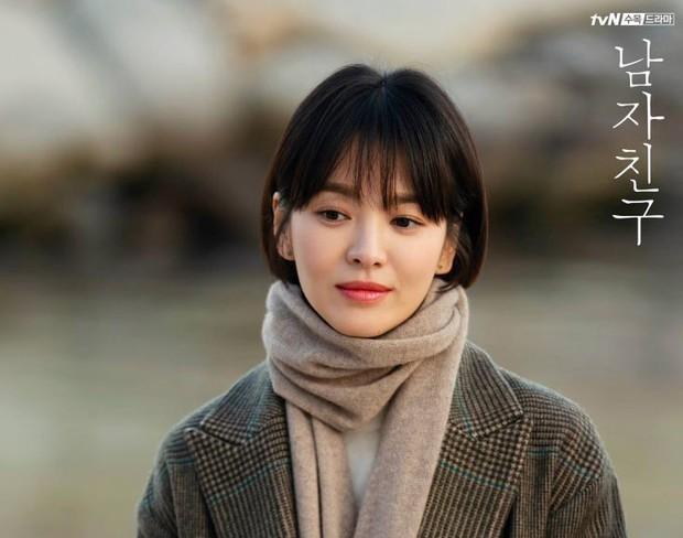 Vừa có phốt bóc lột trong Arthdal xong, lại thêm ekip Hotel del Luna của đài tvN bị tố quỵt tiền lương - Ảnh 8.