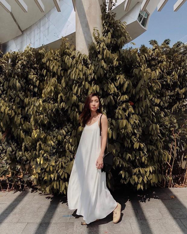 """4 mẫu váy đơn giản nhưng thừa độ sang chảnh, tinh tế giúp style của chị em """"sang trang"""" mới huy hoàng - Ảnh 1."""