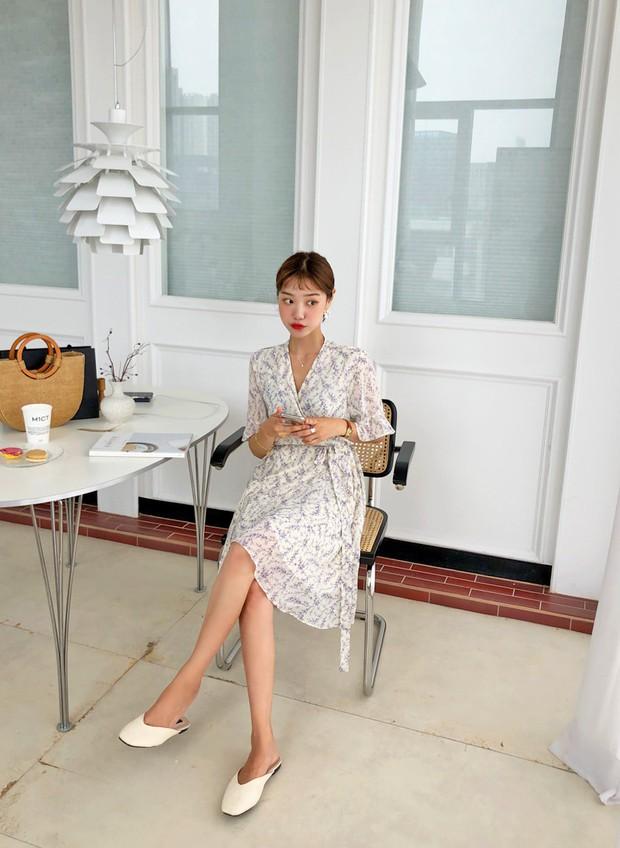 """4 mẫu váy đơn giản nhưng thừa độ sang chảnh, tinh tế giúp style của chị em """"sang trang"""" mới huy hoàng - Ảnh 13."""