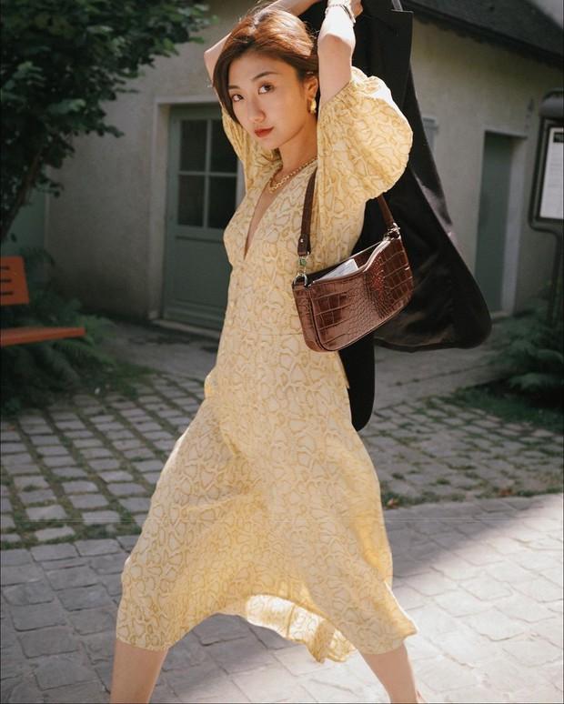 """4 mẫu váy đơn giản nhưng thừa độ sang chảnh, tinh tế giúp style của chị em """"sang trang"""" mới huy hoàng - Ảnh 14."""