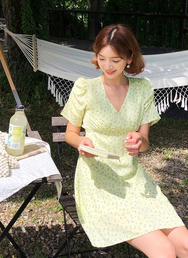 """4 mẫu váy đơn giản nhưng thừa độ sang chảnh, tinh tế giúp style của chị em """"sang trang"""" mới huy hoàng - Ảnh 16."""