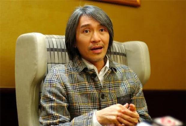 57 mùa xuân chăn đơn gối chiếc, Vua hài kịch Châu Tinh Trì kết hôn trong sự bất ngờ của cả showbiz? - Ảnh 2.