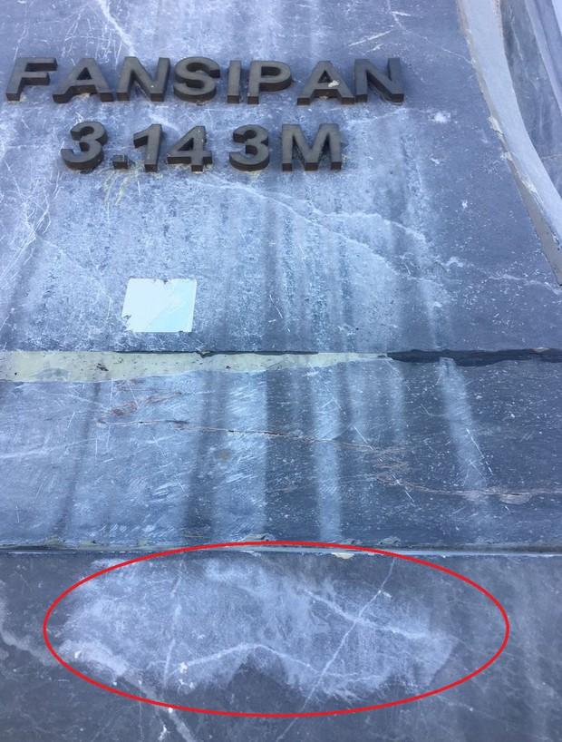 """Chi chít vết khắc tên và """"lời yêu thương"""" trên khu vực đỉnh Fansipan (Sapa), tại sao ngày nay đi du lịch cứ phải để lại """"dấu vết"""" làm gì? - Ảnh 2."""