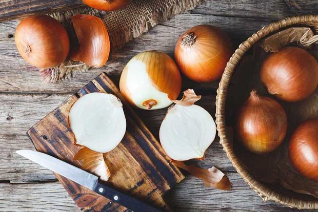 Cất trữ những loại thực phẩm này trong tủ lạnh, chẳng những gây mùi mà còn gây hại cả sức khỏe - Ảnh 3.