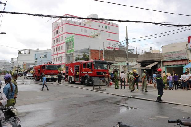 TP. HCM: Nổ bình gas làm cháy quán ăn, một người bị thương - Ảnh 1.