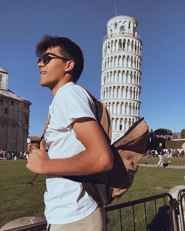 """""""Ngả nghiêng cùng năm tháng"""" siêu nổi tiếng ở nước Ý, hóa ra vào mùa hè trông tháp Pisa lại """"thẳng thớm"""" hơn? - Ảnh 1."""