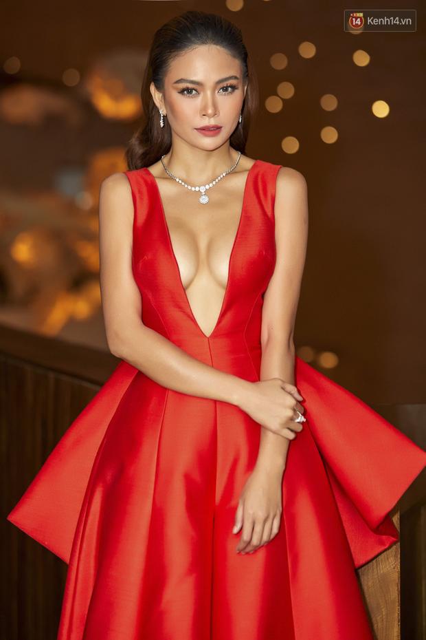 HHen Niê diện style khác lạ, Mâu Thủy hở bạo khoe ngực đầy trong sự kiện khởi động Miss Universe Việt Nam 2019 - Ảnh 5.