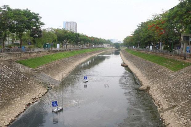 Hà Nội xả nước cuốn trôi toàn bộ kết quả thí nghiệm của chuyên gia Nhật ở sông Tô Lịch - Ảnh 1.