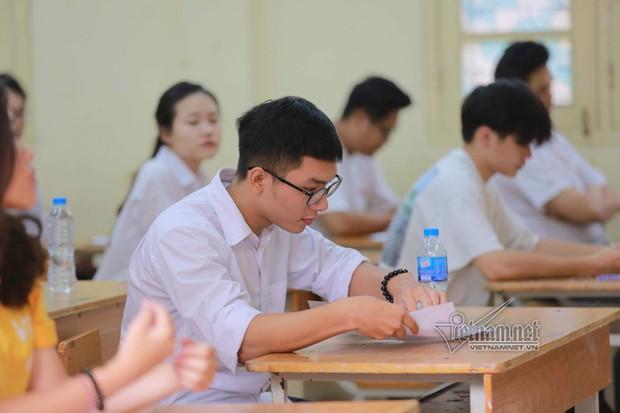 Trường ĐH Kinh tế TP.HCM nhận điểm sàn xét tuyển từ 17 đến 19 - Ảnh 1.