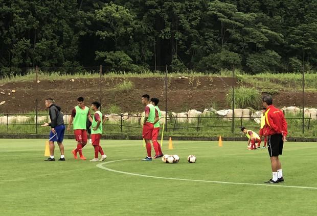 ĐT U18 Việt Nam tập trung cao độ ngay buổi đầu tập luyện tại Gotemba (Nhật Bản) - Ảnh 1.