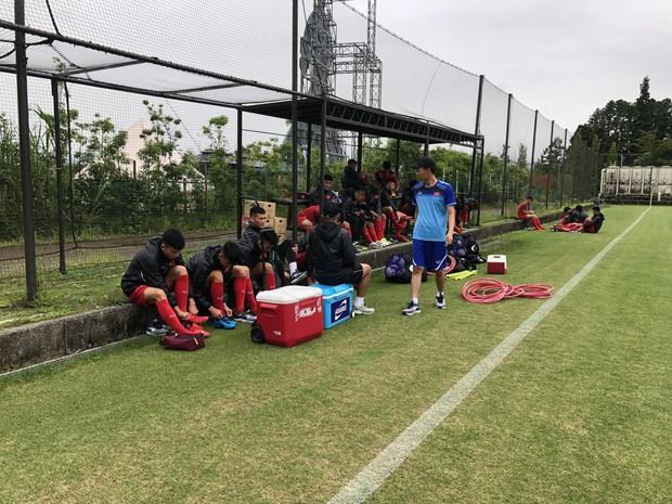 ĐT U18 Việt Nam tập trung cao độ ngay buổi đầu tập luyện tại Gotemba (Nhật Bản) - Ảnh 2.