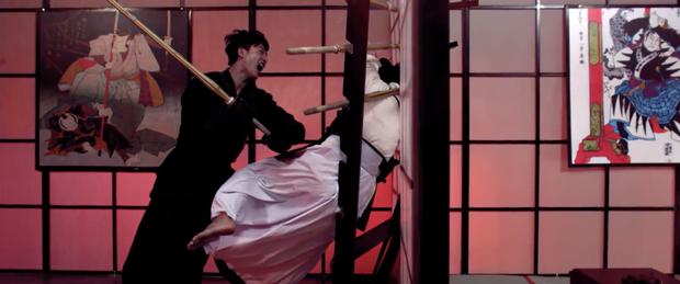 B Trần và Harry Lu lộ clip đấu kiếm kendo đẹp mãn nhãn ở Thật Tuyệt Vời Khi Ở Bên Em - Ảnh 6.