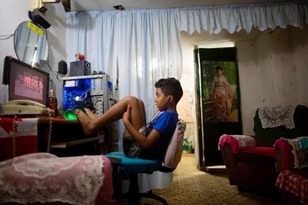 Ở Ấn Độ, đang có một thế hệ trẻ em học viết code trước khi biết nói chuyện với mọi người - Ảnh 1.
