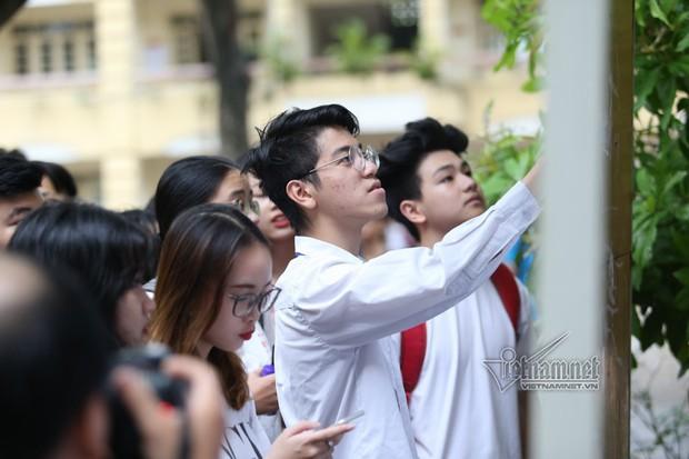 Trường ĐH Kinh tế - ĐHQG Hà Nội có điểm sàn xét tuyển từ 16 điểm - Ảnh 1.