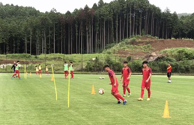 ĐT U18 Việt Nam tập trung cao độ ngay buổi đầu tập luyện tại Gotemba (Nhật Bản) - Ảnh 3.