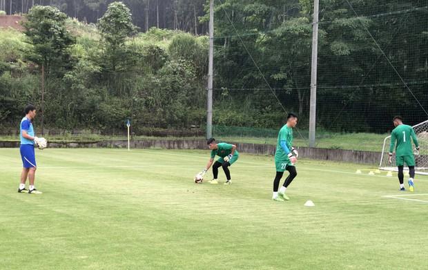 ĐT U18 Việt Nam tập trung cao độ ngay buổi đầu tập luyện tại Gotemba (Nhật Bản) - Ảnh 4.