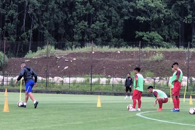 ĐT U18 Việt Nam tập trung cao độ ngay buổi đầu tập luyện tại Gotemba (Nhật Bản) - Ảnh 5.