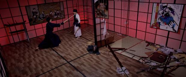 B Trần và Harry Lu lộ clip đấu kiếm kendo đẹp mãn nhãn ở Thật Tuyệt Vời Khi Ở Bên Em - Ảnh 10.