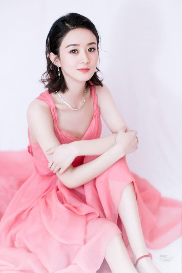 Top nghệ sĩ nữ Cbiz quyền lực nhất MXH: Phạm Băng Băng, Angela Baby đều ngả mũ chịu thua Nữ hoàng Weibo - Ảnh 4.