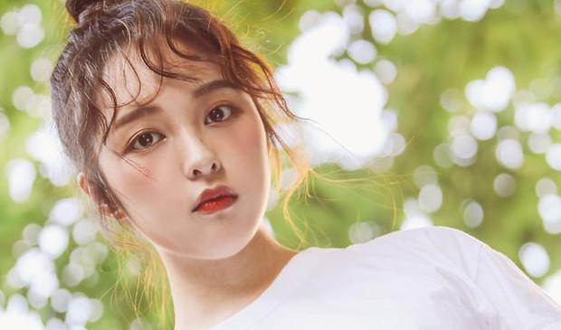 Kim Bo Ra (SKY Castle) lại đóng phim thanh xuân, netizen hỏi nhau tính đóng nữ sinh cả đời hả chị? - Ảnh 1.