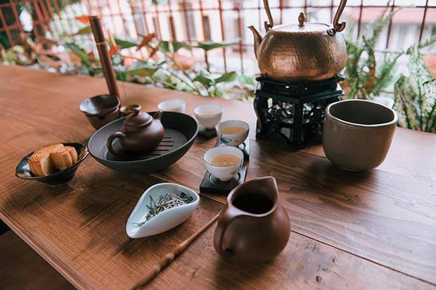 Dương (Về nhà đi con) phán lại chuẩn quá: Uống một chén trà hết cả thanh xuân là có thật - Ảnh 1.