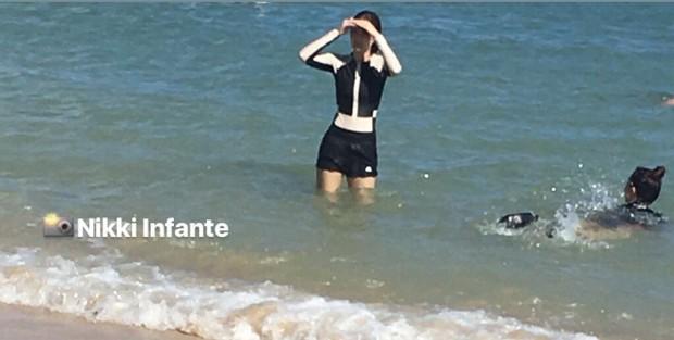 Lúc nào cũng mặc sexy hết cỡ, cứ tưởng Jennie đi biển Hawaii sẽ bung lụa bikini khoe body, ai ngờ... kín như bưng - Ảnh 9.