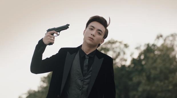 Vì sao Soobin làm MV bạo lực máu me phạm luật YouTube nhưng vẫn được nương tay giữ lại? - Ảnh 2.