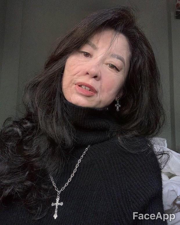 Xuyên không đến tương lai gặp Châu Bùi mặt lộ đầy nếp nhăn, Quỳnh Anh Shyn trở thành bà lão - Ảnh 4.